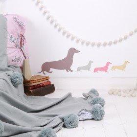sticker-mural-chambre-bebe-chiens-saucisses-lovemae