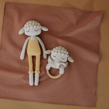 Doudou en crochet Agneau