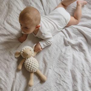 Doudou en crochet mouton beige Patti Oslo